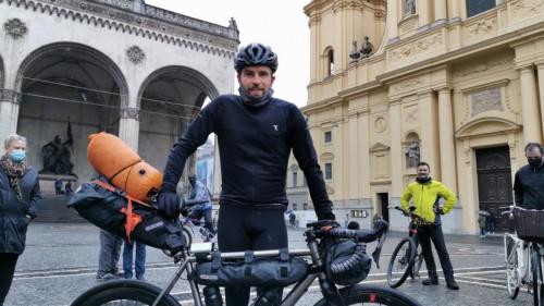 Imagen_Noticia_Jonas_Deichman_Vuelta_al_mundo_triatlon_bici.jpg